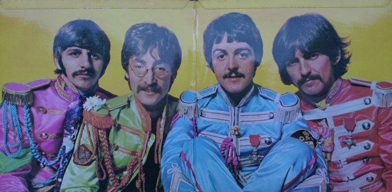 Файл:Sgt. Pepper's Lonely Hearts Club Band (inlay).jpg
